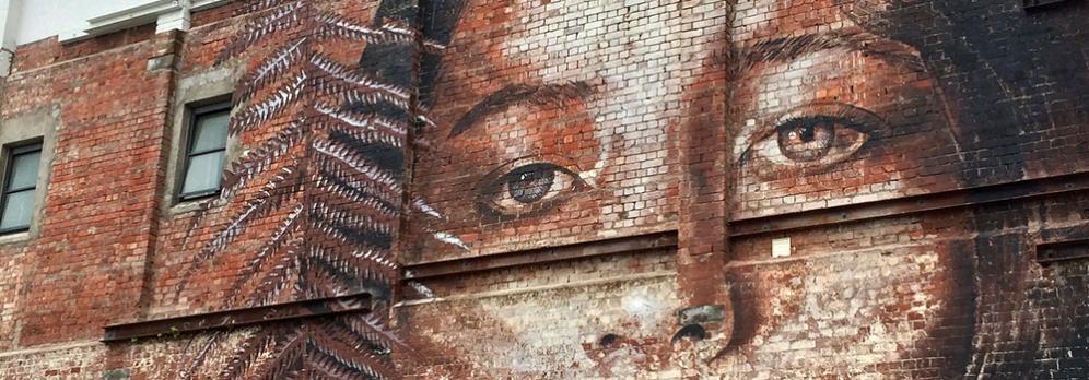 Aspoň že ten street art mají hezky rozvinut.