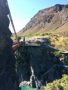 Bungie na hystorickím mostě