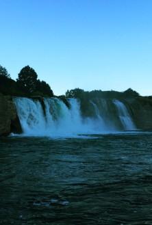 Nějaké vodopády cestou do Motueky.