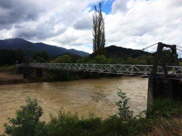 Pamatujete most ze, kterého jsem skákal.